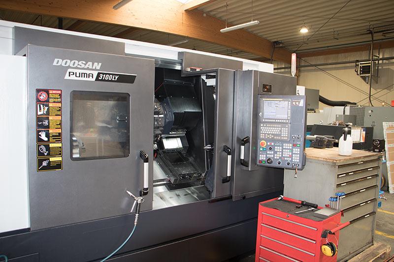 Universal-CNC-Drehmaschine Doosan PUMA 3100 LY